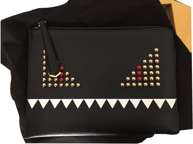c83bdc0b5805 Fendi Clutch monster Clutch bags Leather Black ref.28810 - Joli Closet