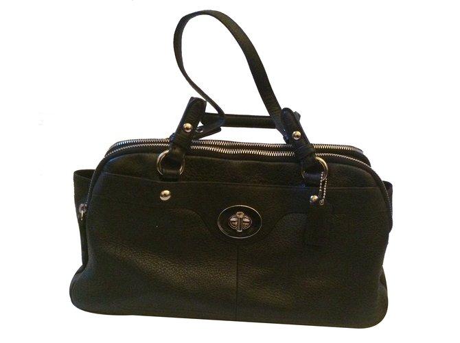 sacs main coach sacs main cuir noir joli closet. Black Bedroom Furniture Sets. Home Design Ideas