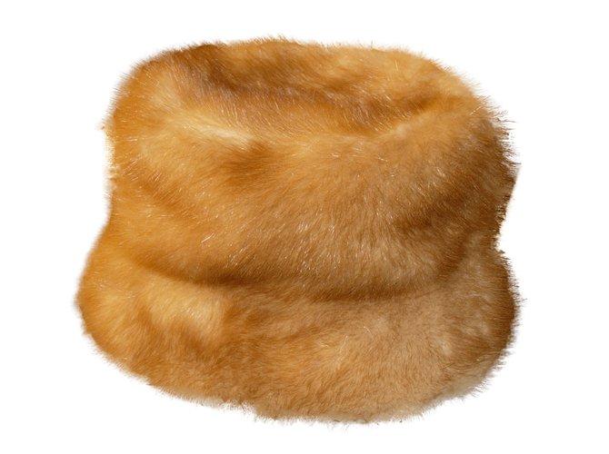 Chapeaux Prada Chapeau en vison Autre Caramel ref.29539 - Joli Closet e8bd2c77e85