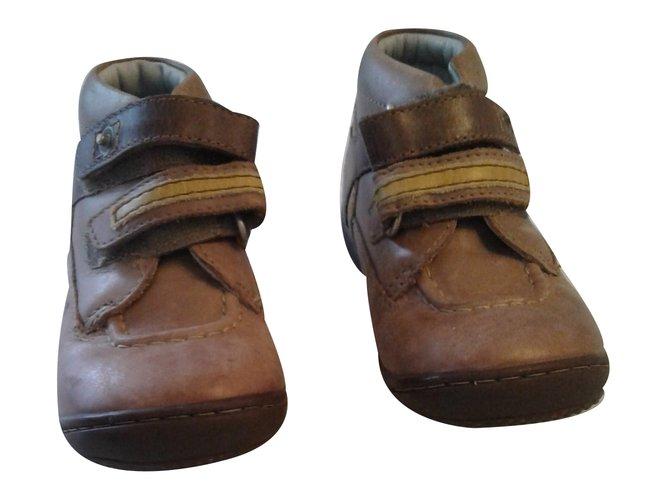 Chaussures à lacets Autre Marque Chassures 'Kickers' Cuir Marron ref.29579