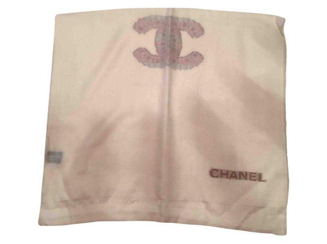 cc4680d0c735 Foulards Chanel Foulard Cachemire Blanc ref.29894 - Joli Closet