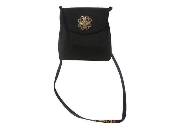 7d522ffccfe Yves Saint Laurent Handbag Handbags Cloth Black ref.30047 - Joli Closet