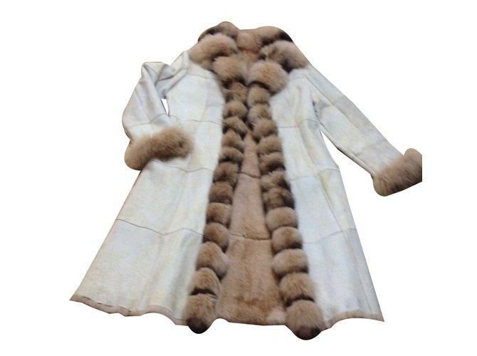Yves Salomon Coat Coats, Outerwear Deerskin Beige ref.30121