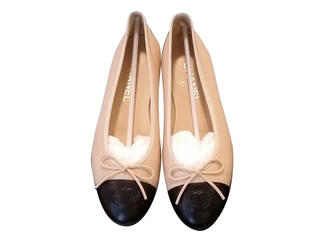 promo code c5b1a d9cfd Chanel Beige/Black Two-Tone Ballerina Flats