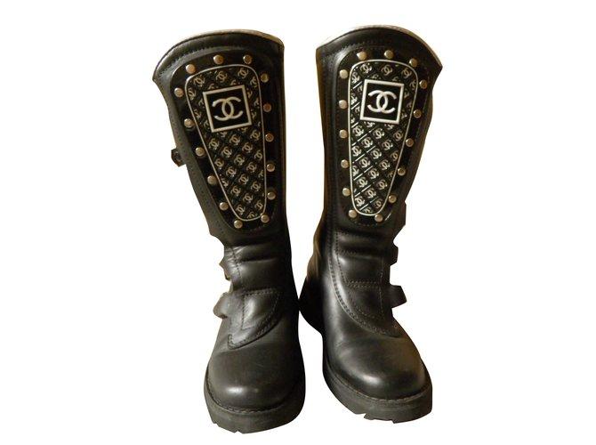 Bottes Chanel Motarde Cuir Noir ref.30698