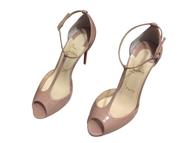 uk availability d6675 20dc7 Sandals