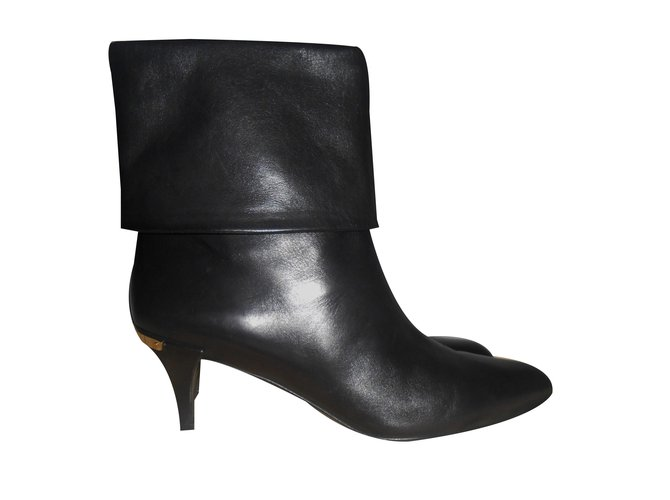 d6f4a4f587e7 Louis Vuitton Ankle Boots Ankle Boots Leather Black ref.31401 - Joli ...