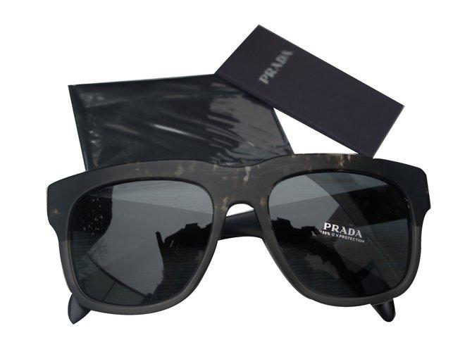 Lunettes Prada Lunettes Plastique Noir ref.31853 - Joli Closet c41fb3b9a68f