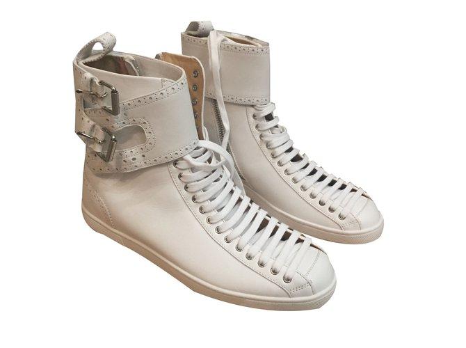 design intemporel 960d5 7a6ca denmark louboutin flat boots homme e8d2f c273c