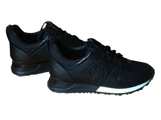 Louis Vuitton Sneakers Sneakers Leather Black ref.32340 - Joli Closet 29897c186ce