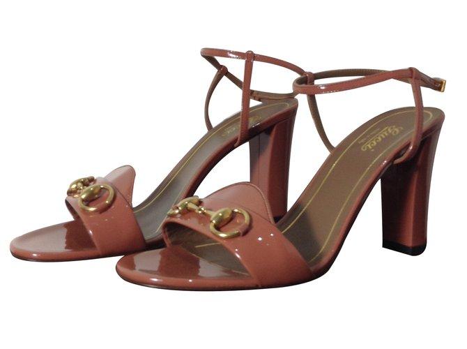 a5cd94040e5 Gucci Gucci sandals Sandals Patent leather Pink ref.32564 - Joli Closet