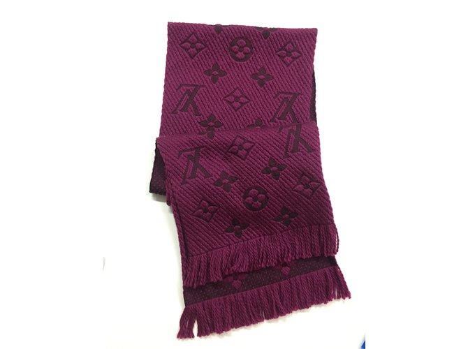 6520dcb27ae8 Foulards Louis Vuitton Echarpe Logomania Soie,Laine Bordeaux ref.32662