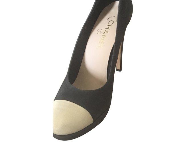 Escarpins Chanel Escarpins Cuir Noir Beige Ref 33329 Joli Closet