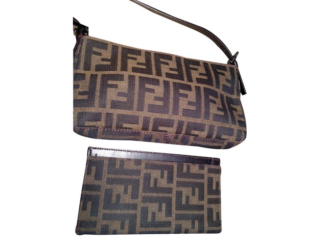 7777b045ea Fendi Clutch bags Clutch bags Cloth Chestnut ref.33393 - Joli Closet