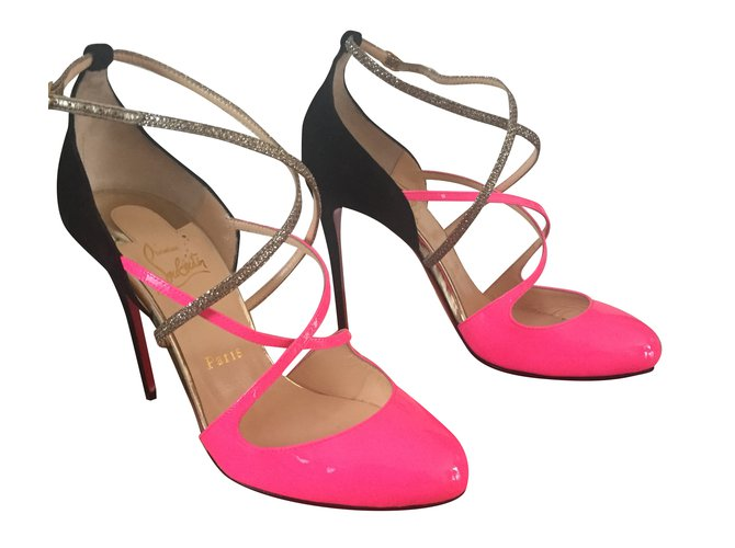 pretty nice a493d 3aa74 Heels