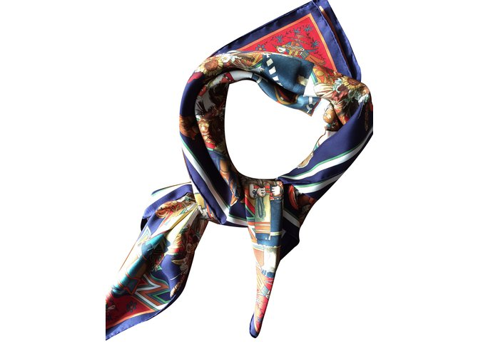 Foulards Hermès Kachinas Soie Bleu ref.33793 - Joli Closet 91a7bd7b876