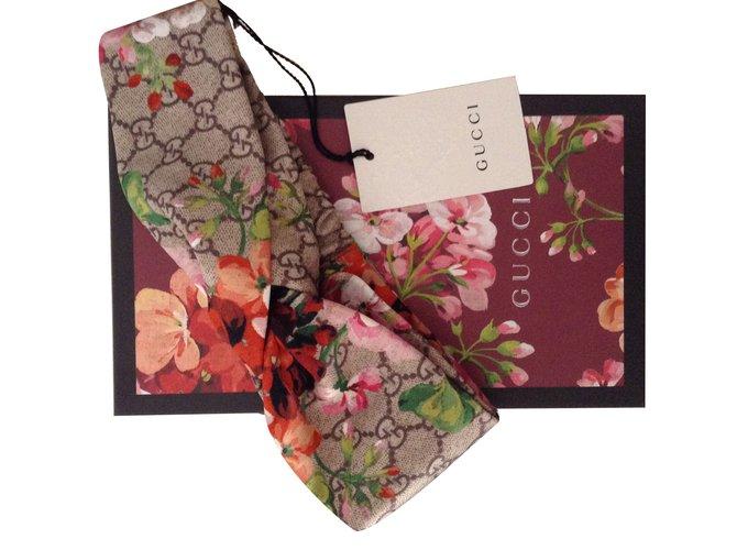 9b1c65912b0 Gucci Headband Scarves Silk Multiple colors ref.33808 - Joli Closet