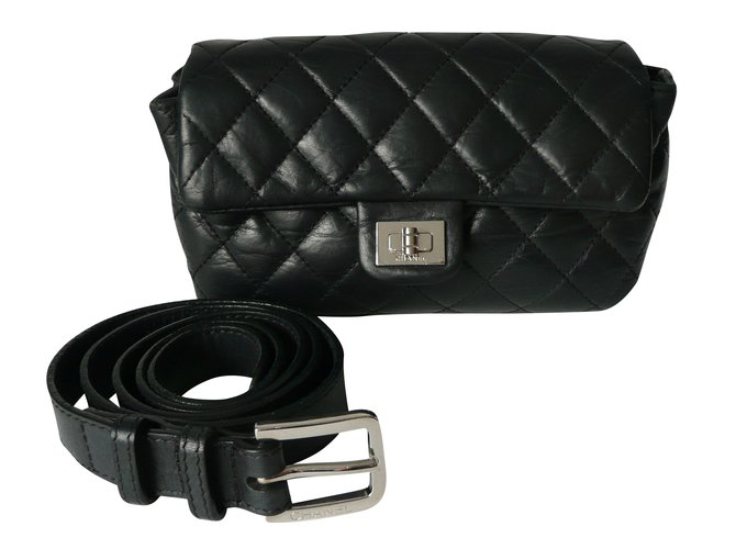 da8922118d3e Chanel uniform belt bag Clutch bags Leather Black ref.34003 - Joli ...