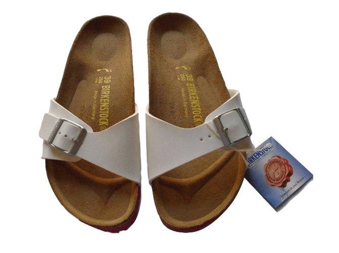 cb9f0bb4bf7 Birkenstock Sandals Sandals Patent leather White ref.34687 - Joli Closet