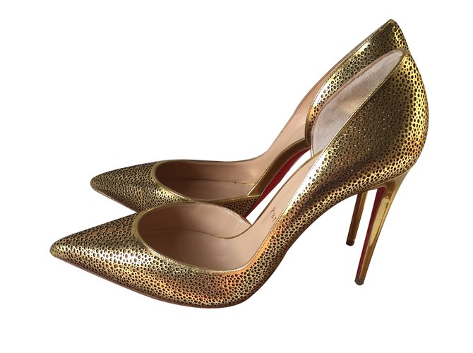 louboutin chaussures dorees