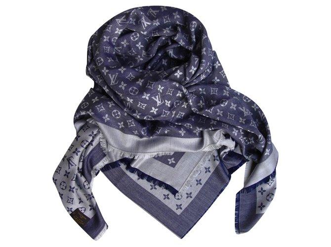 135fe32f285 Carrés Louis Vuitton Châle monogram Laine Bleu ref.35244 - Joli Closet