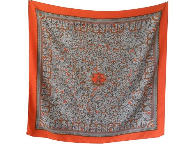 Carrés Hermès carré hermès   Les jardins d Armènie assez recherché et rare  Soie Orange feb1682756f