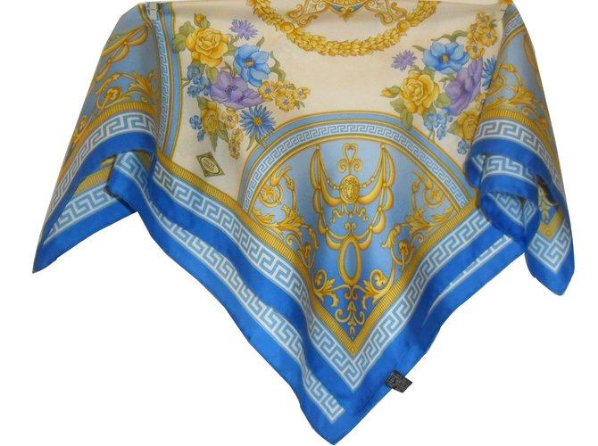 88e71ff71b6 Versace Silk scarf Silk scarves Silk Blue ref.35567 - Joli Closet