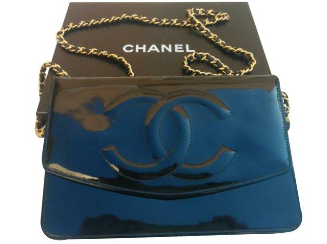 be2ea6a50f5797 Chanel Handbag Handbags Patent leather Black ref.35611 - Joli Closet