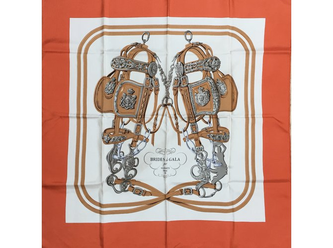e977944523a Foulards Hermès Brides de Gala dessiné par Hugo Grygkar Soie Orange  ref.36213