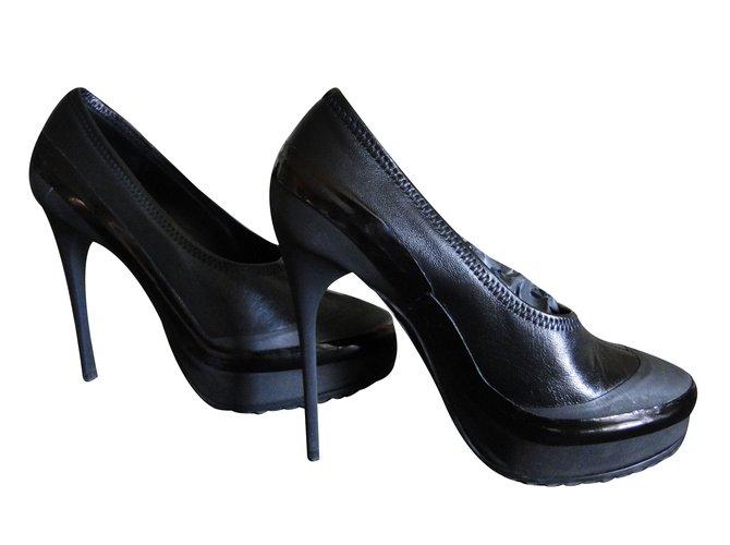 451dbb399bb Burberry Heels Heels Leather Black ref.36318 - Joli Closet