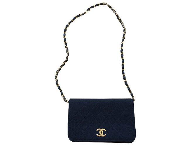 Sacs à main Chanel Sac Chanel Vintage en jersey Tissu Noir ref.36733 ... 509ce3fe7b7