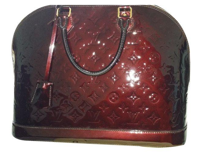 Louis Vuitton ALMA AMARANTE XL Handbags Patent leather Other,Dark red  ref.36855