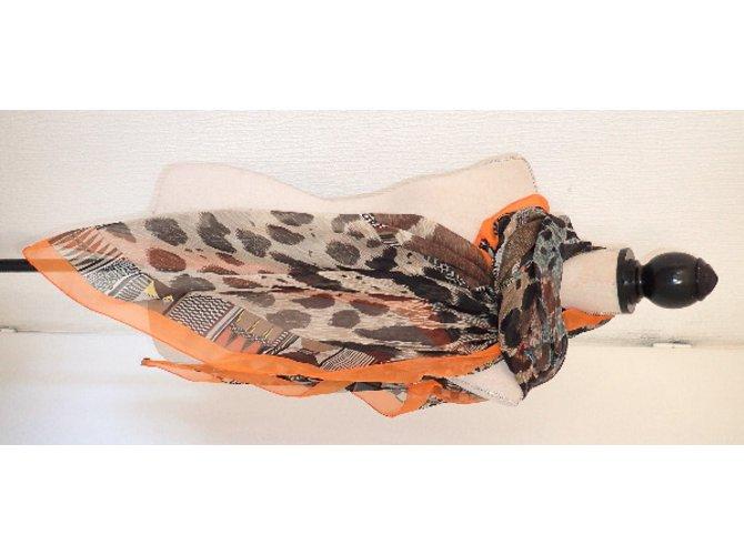 5fb9adbe72 Foulards Hermès Pelages et Camouflage Soie Marron,Imprimé léopard,Imprimé  Zèbre ref.36917