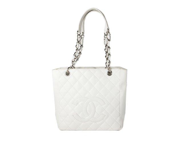 2916b73320d4 Chanel Petite Shopping Tote Handbags Leather White ref.37121 - Joli ...