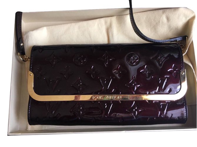 9bf4b4b1fc17 Louis Vuitton Amarante monogram vernis rossmore clutch Handbags Patent  leather Dark red ref.37365