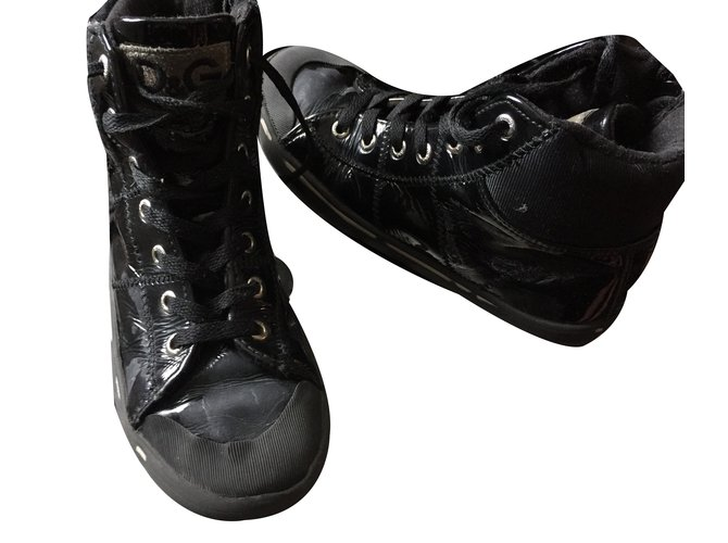 Dolce & Gabbana Sneakers Sneakers Patent leather Black ref.37422