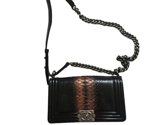 8995a40c33e261 Chanel Boy medium Handbags Exotic leather Black ref.37784 - Joli Closet