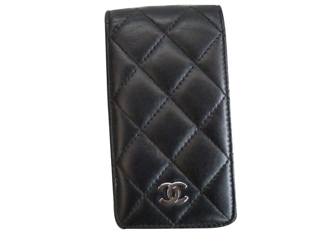 Chanel Phone charms Phone charms Leather Black ref.38260