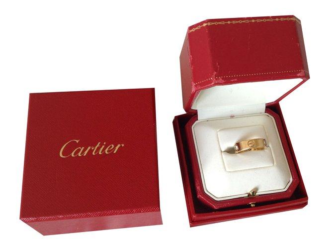 Bagues Cartier love Or jaune Doré ref.38579