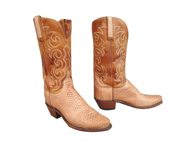 b0c363271ab Lucchese Boots