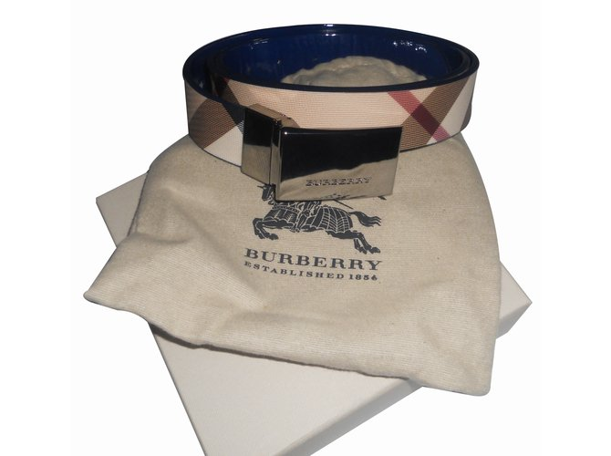 Ceintures Burberry check reversible bleu verni Cuir Multicolore ref.39271 45475814a1b