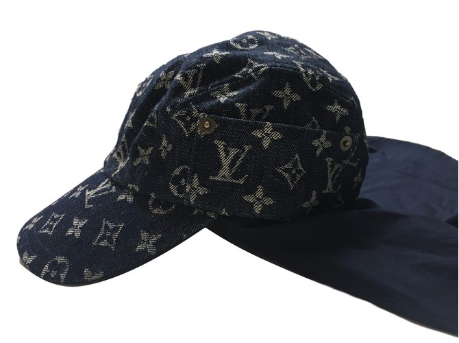 Louis Vuitton Cap Hats Cotton Blue ref.39728 - Joli Closet 3de0460b840