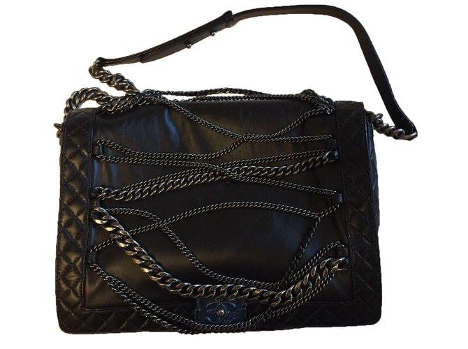 92c1f3d0e95473 Chanel Boy chain bag Handbags Leather Black ref.40369 - Joli Closet