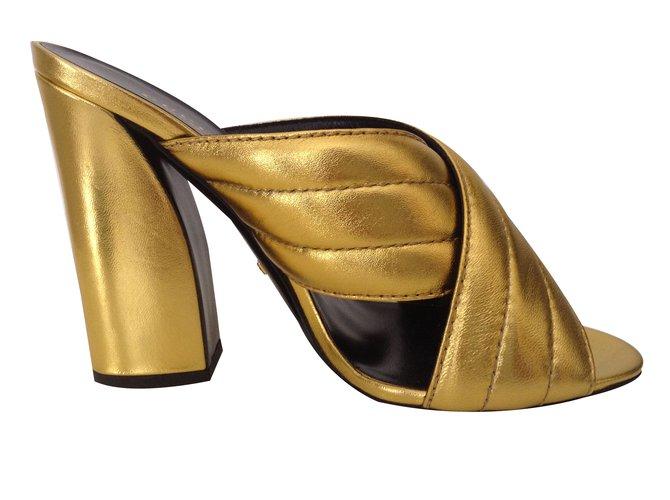 897b3c70bdd Gucci Sylvia Mules Leather Golden ref.40456 - Joli Closet