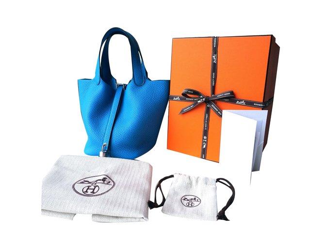 28bd410d35a2 Hermès Picotin Lock 18 Handbags Leather Blue ref.40613 - Joli Closet