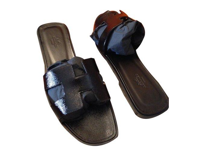 Sandales Hermès Hermes Oran Cuir vernis Noir ref.40652 - Joli Closet ac8c20d91fb