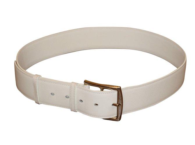 52ff802f9e1 Ceintures Hermès Superbe ceinture modèle Etrivière HERMES. Cuir Blanc  ref.40803