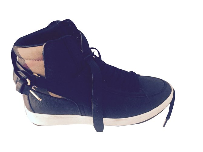 Burberry Sneakers Sneakers Leather Black ref.41114