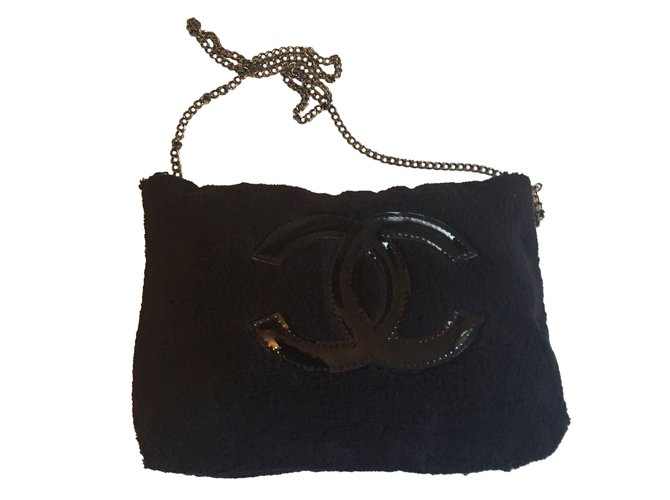 1b3ff350f419 Chanel makeup pouch VIP gifts Other Black ref.41199 - Joli Closet