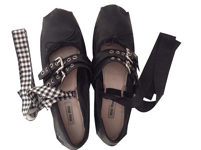 7652e7b945b Miu Miu Ballet flats Ballet flats Leather Black ref.41287 - Joli Closet